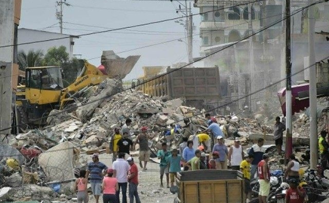 Death toll in a Ecuador's strongest earthquake in decades reaches 600 people